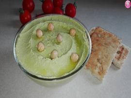 Pasta de naut cu avocado